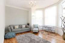1 bed Flat to rent in Montrell Road...