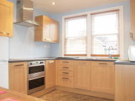 Flat to rent in Brading Road, Brixton