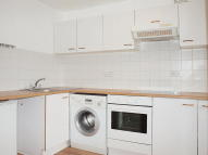 2 bedroom Flat to rent in Milton Road, Herne Hill