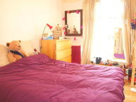 2 bedroom Flat in Lyham Road, Brixton