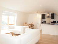 Flat to rent in Stockwell Park Road...