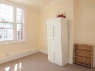 Flat to rent in Eardley Road, Streatham