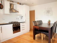 Flat to rent in Stockwell Road, Stockwell