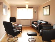 2 bed Flat in Courland Grove, Stockwell