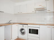 Flat to rent in Milton Road, Herne Hill