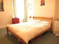 4 bed Flat to rent in Telford Avenue, Balham