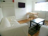 4 bed Flat in Honeybrook Road...