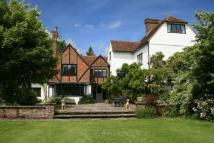 6 bedroom Detached house in GREAT MISSENDEN, HP16