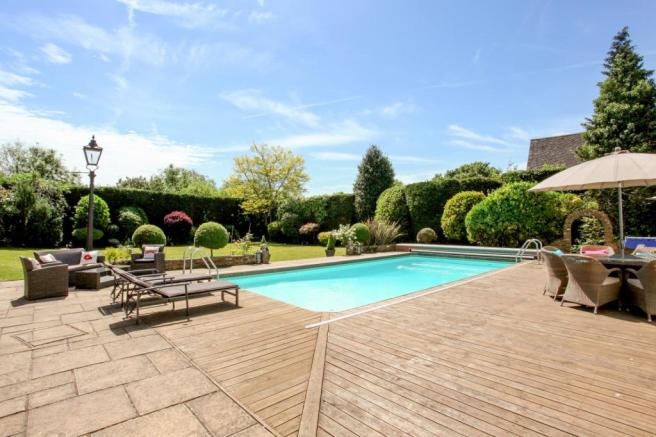 Decking/Pool Area