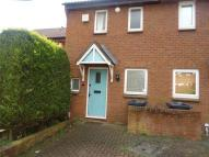 2 bedroom semi detached house to rent in Quaker Lane, West End...