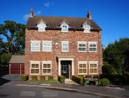 6 bedroom Detached property in Whitchurch Lane...