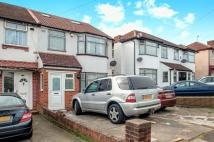 5 bedroom semi detached property in Taunton Way...