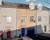 3 bedroom Town House in Elm Close, Rossington...