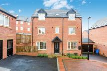 4 bed Detached house in Tudor Close, Sheffield...