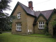 3 bed house to rent in Titsey Road, Limpsfield...