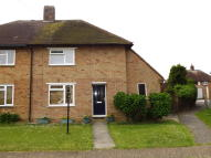 semi detached house to rent in Peerley Close...