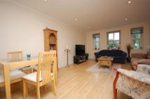 Apartment to rent in High Street, Hampton