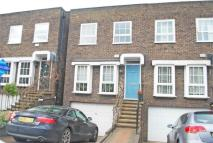 4 bed Terraced property in Shaftesbury Way...