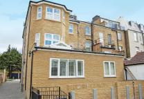 Flat to rent in Uxbridge Road...