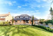 6 bed Detached home for sale in The Avenue, Lower Sunbury