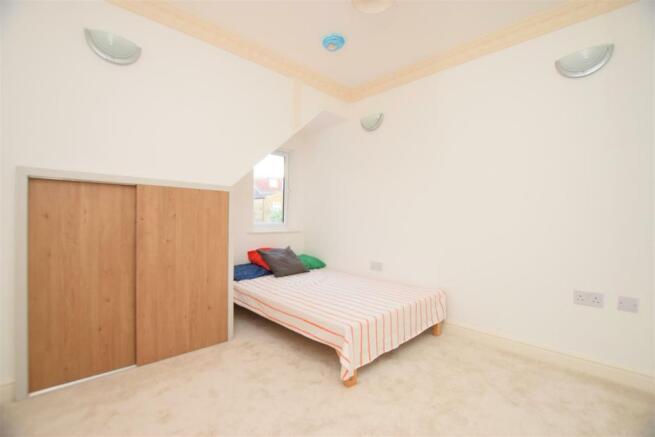 bedroom....jpg