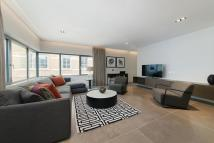 3 bedroom Flat in Babmaes Street, London...