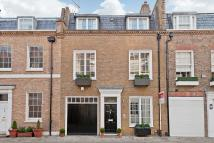 3 bed house in Clabon Mews, London, SW1X