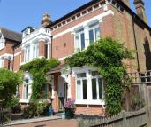 5 bed semi detached property in St Stephens Gardens...