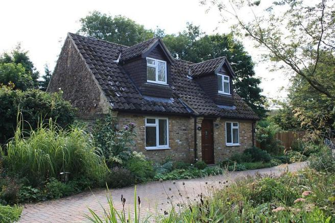 2 Bedroom Cottage To Rent In Cherry Tree Lane