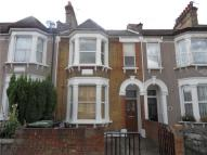 3 bed Terraced house to rent in Farley Road, Catford, SE6