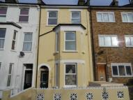 Flat to rent in Courthill Road, Lewisham...