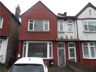 3 bedroom home in Brownhill Road, Catford...