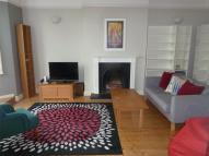 Flat to rent in Aldworth Grove...