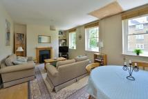 3 bedroom Flat to rent in Avenell Road, Highbury...