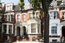 5 bedroom Terraced property in Sotheby Road, N5 2UP