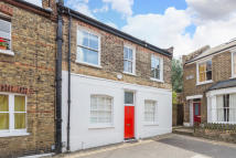 2 bedroom End of Terrace house for sale in Whistler Street, N5 1NJ