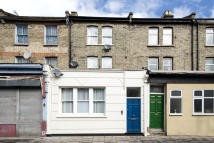 Studio flat in Gillespie Road, N5 1LN