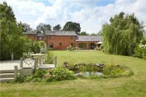 2 bed property in Fields Farm...