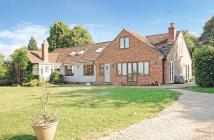 8 bedroom Detached house in Bottle Square, Radnage...
