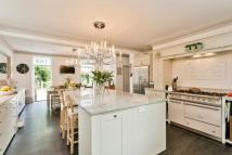 4 bed Detached home in Pines Hill, Stansted...