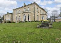 6 bedroom Character Property for sale in Roydon Road...