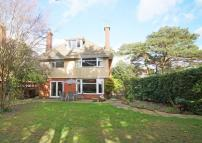 6 bed Detached house in Stirling Road...