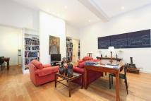 2 bed Apartment in Hyde Park Gardens...