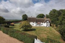 6 bedroom Detached home for sale in Heath Road...