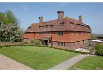 10 bed Detached property in Ewhurst Green...