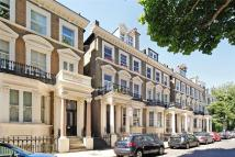 2 bedroom Apartment in Holland Park Gardens...