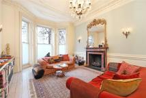 1 bed Apartment in Holland Park, London, W11