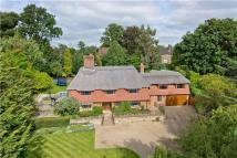 6 bedroom home in Clare Hill, Esher...