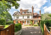 8 bedroom home in Ditton Road, Surbiton...
