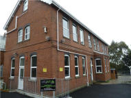 8 bed Apartment in Winston Avenue, Mutley...